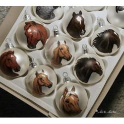 Skleněná ozdoba koně