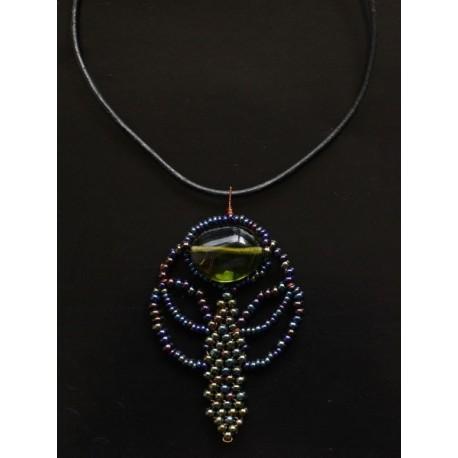 Šitý náhrdelník v secesním stylu