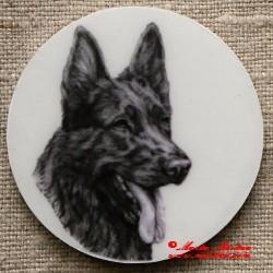 Německý ovčák černý magnet nebo placka